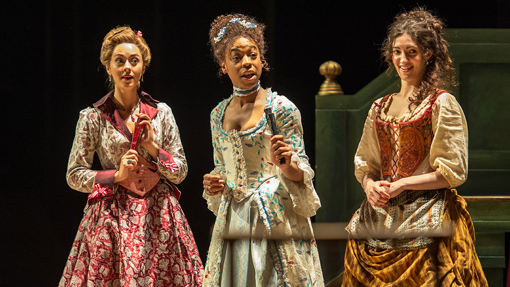 Beaux-Stratagem-Susannah-Fielding-Pippa-Bennett-Warner-Molly Gromadzki-Photo-Manuel-Harlan